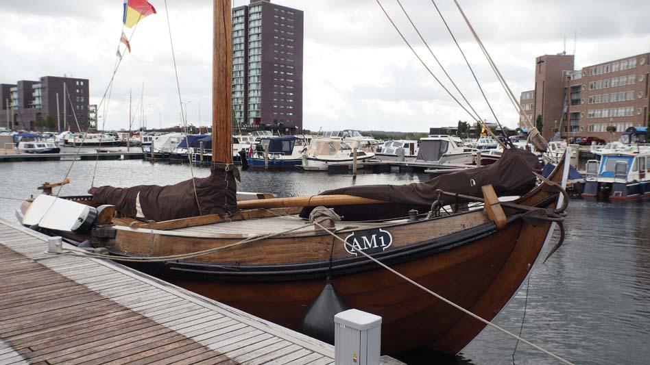Botter Almere AM 1
