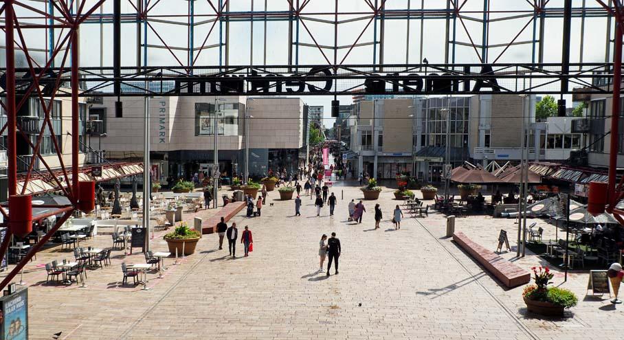 Stationsplein - Stad